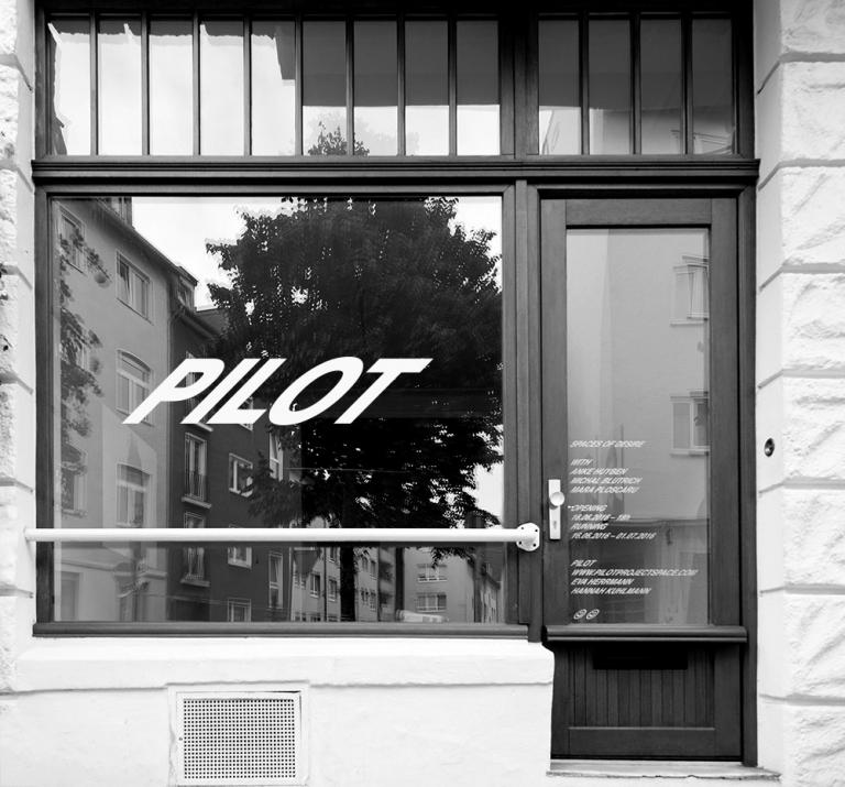 Studio Max Pietro Hoffmann Pilot